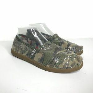 Bob's Sz 8 Camo Sneaker